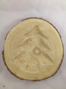 Wooden disk with Christmas tree milled out 33-37 cm 4.5 cm thickness